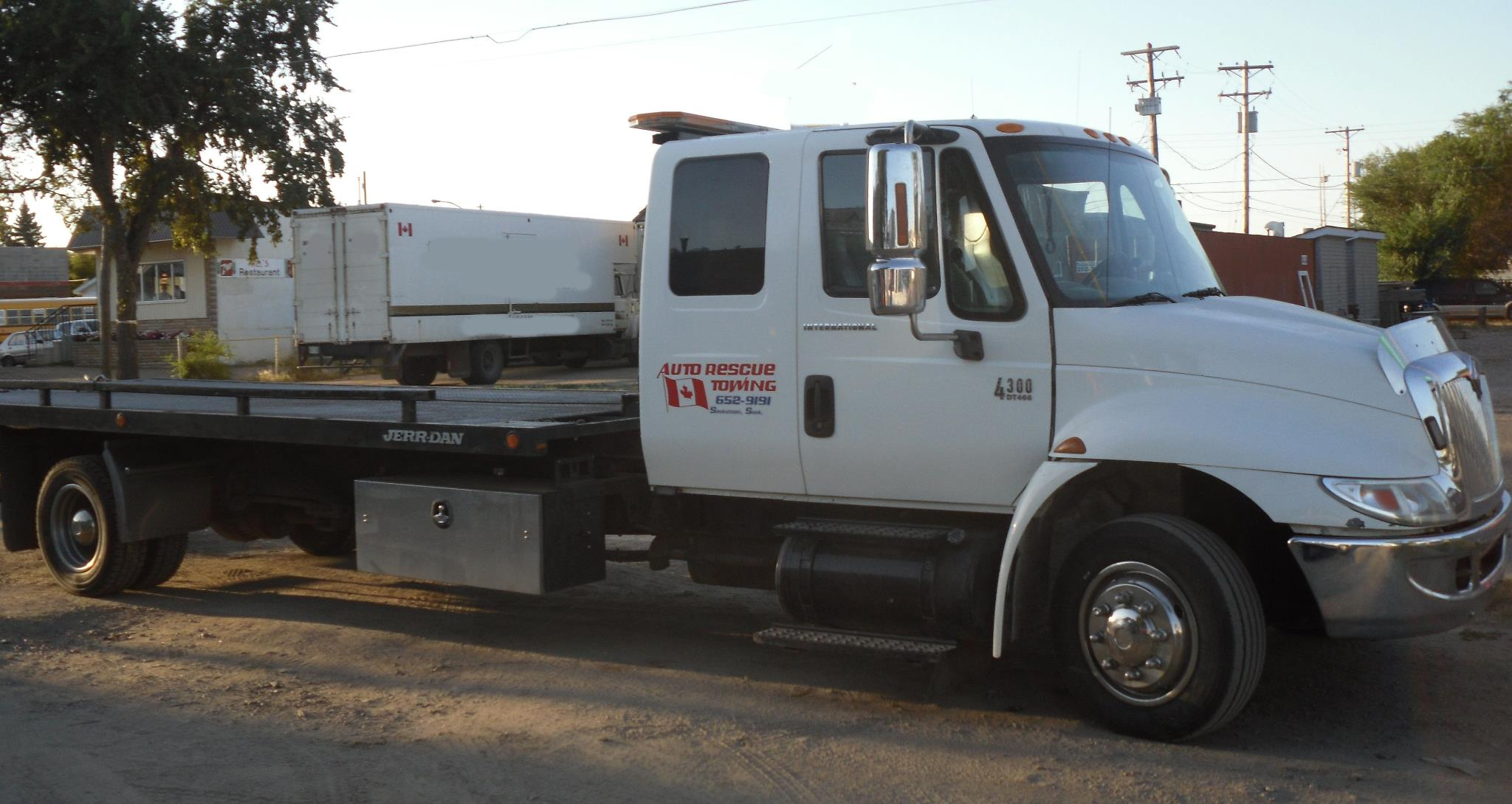 Auto Rescue Towing Flatbed Truck